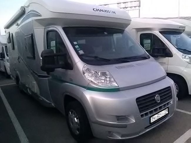 Vente camping cars neufs ou occasion - Camping car chausson sweet garage ...